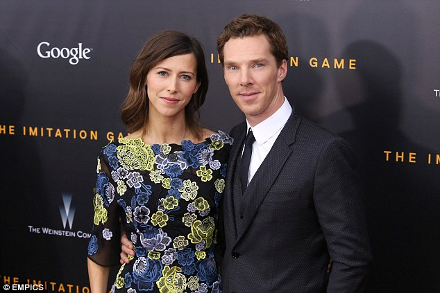 https://i1.wp.com/i.dailymail.co.uk/i/pix/2014/11/21/23426DE100000578-0-Happy_couple_Benedict_Cumberbatch_proposed_to_Sophie_Hunter_with-2_1416575474249.jpg
