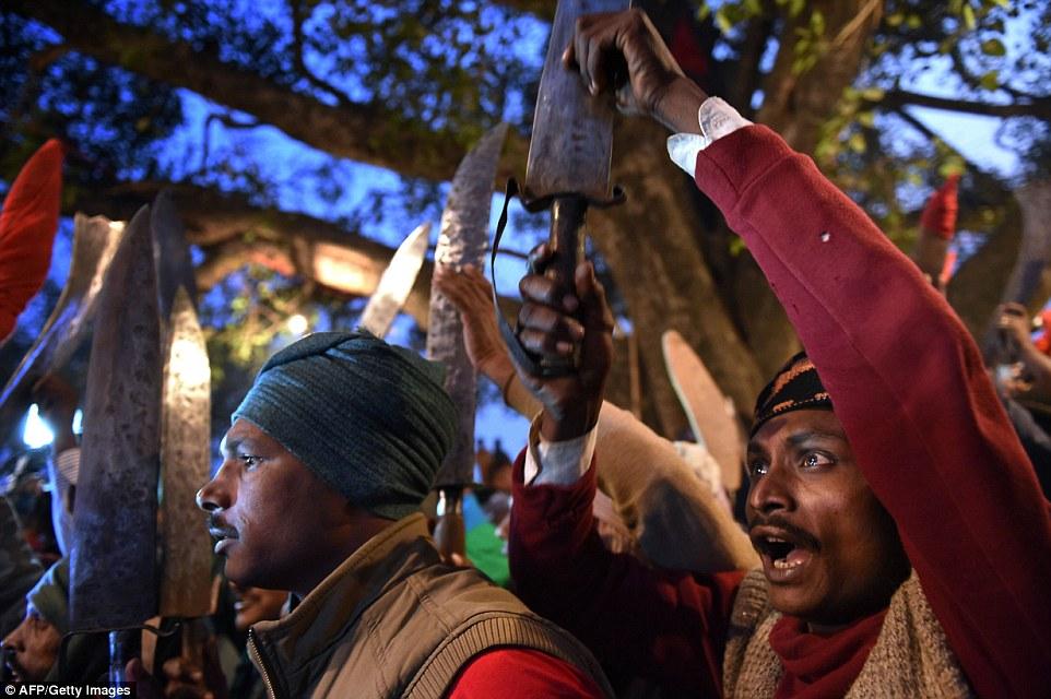 Las celebraciones incluyen la matanza de cientos de miles de animales, sobre todo búfalos y cabras
