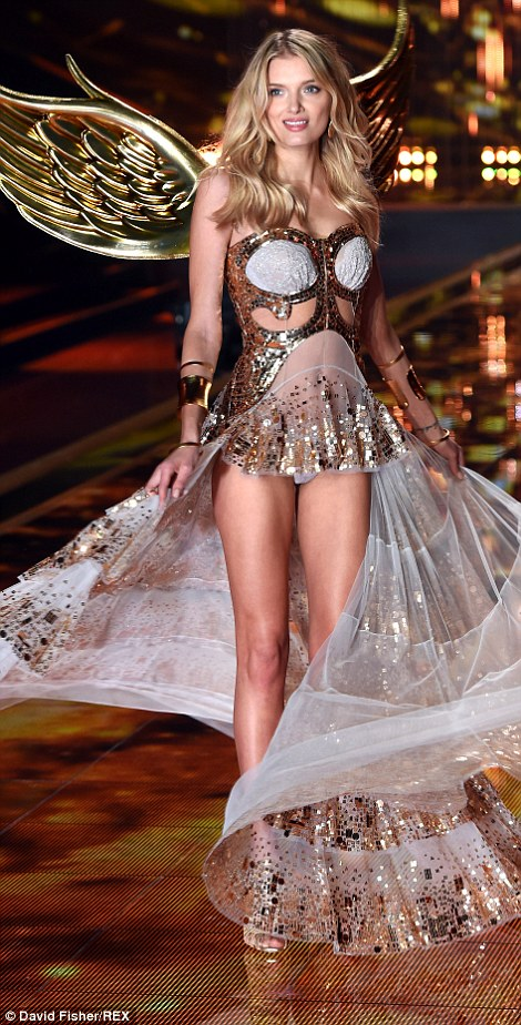 Beauty! Karlie Kloss dazzled as she made her way down the catwalk, clutching onto her hard-earned wings