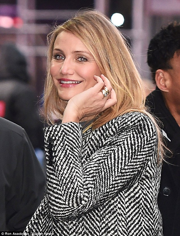 Cameron Diaz Continues To Flaunt Mystery Bands On Wedding