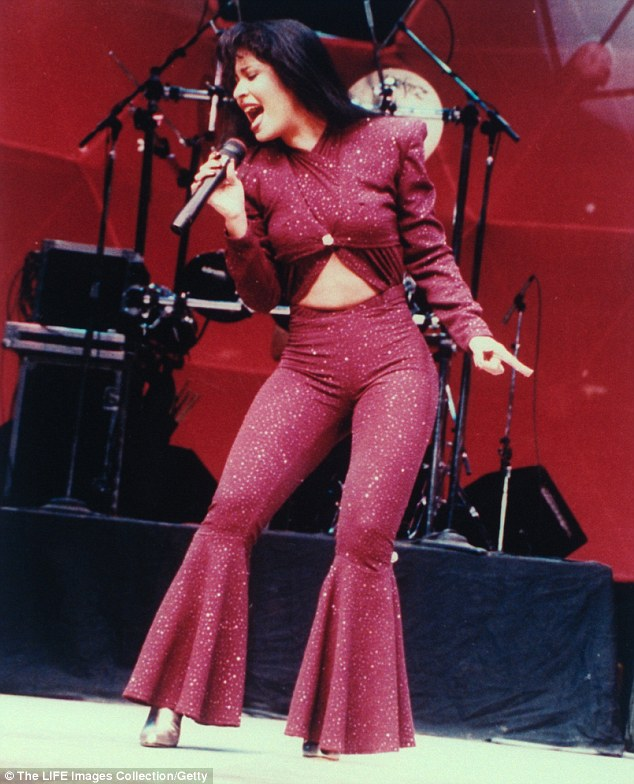 Image result for selena quintanilla singing