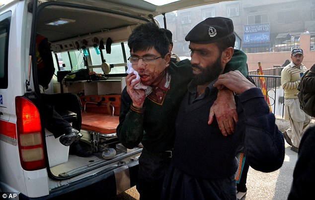 Injured Pakistani students by Taliban Gunmen | ozara gossip