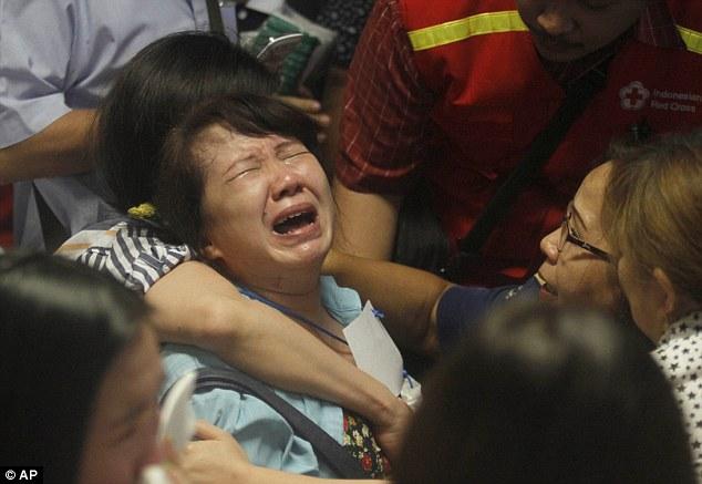 relatives-missing-airasia-flight-victims