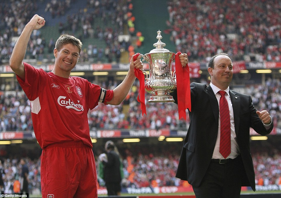 Rafael Benitez joins his captain to show off the FA Cup after ...