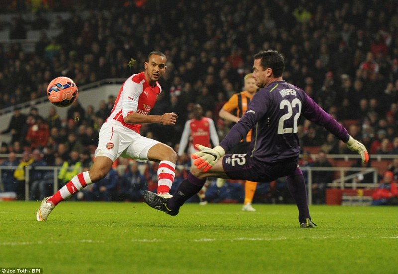 Walcott's first touch lets him down as the England forward misses an opportunity to double Arsenal's lead