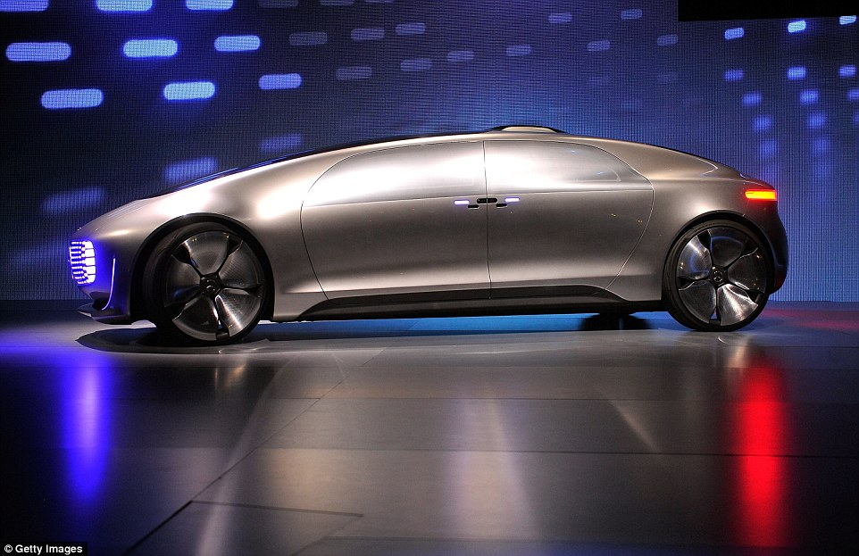 The luxury sedan, which seats four, measures 17ft (5.2 metres) in length and 5ft (1.5 metres) high. It is made of carbon-fibre, aluminium and high-strength steel. It's designed to be able to use an electric motor and a hydrogen fuel cell, and can travel 685 miles (1,100 km) on a charge