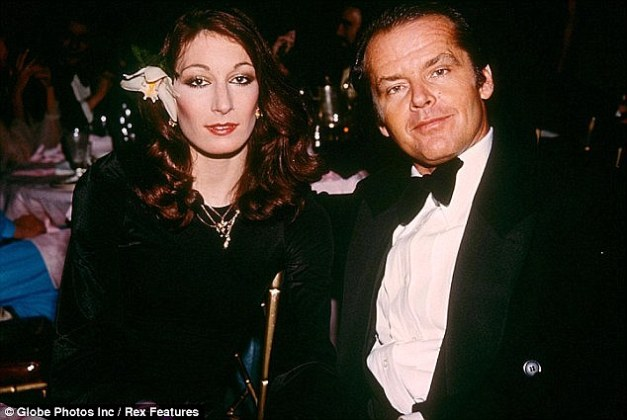 Jack Nicholson pays the lonely price for treating women like dirt     Love of his life  Nicholson s longest romantic relationship was with  long term girlfriend Anjelica