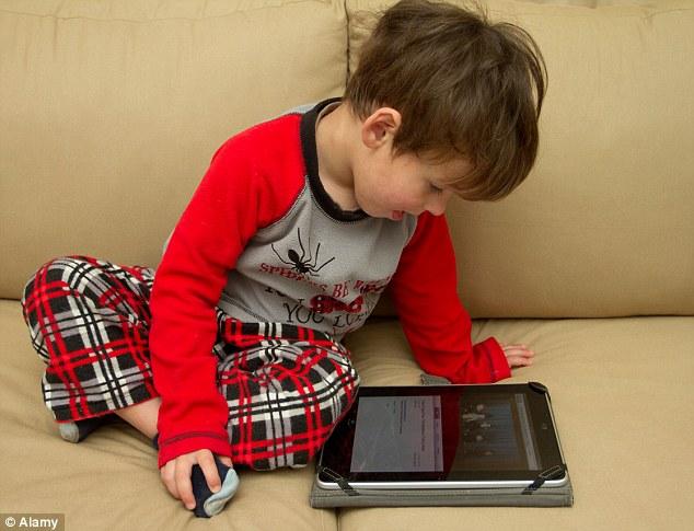 No más iNanny: Los padres en Taiwán están ahora completamente prohibido permitir su menores de dos años de utilizar cualquier dispositivo electrónico, tales como tabletas, smartphones o televisores o se arriesgan a una multa de £ 1000