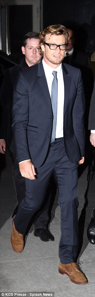 Simon Baker suffers a wardrobe malfunction at The ...