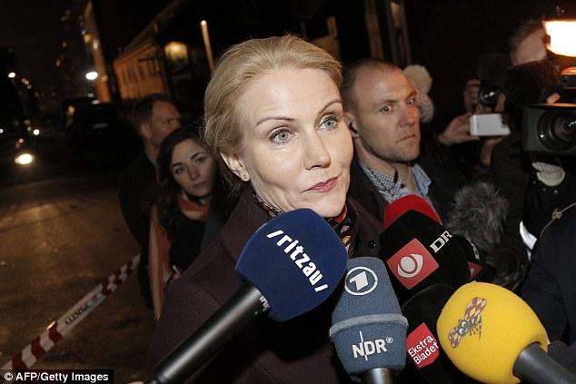 """Alerta: primer ministro danés Helle Thorning-Schmid, dijo: """"Estamos seguros ahora que fue un ataque por motivos políticos, y por lo tanto era un ataque terrorista.  Estamos en alerta en todo el país '"""