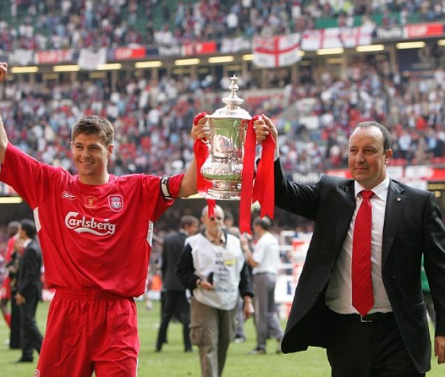 Steven Gerrard Left Wants To Lift The Fa Cup For A Third Time In