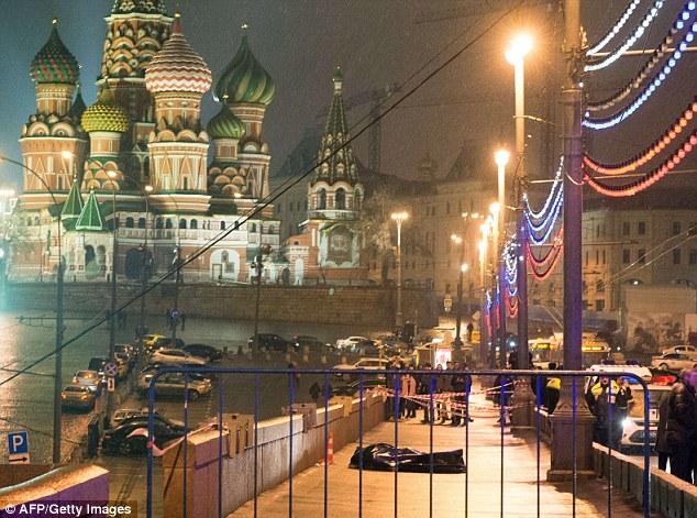 Nemtsov fue uno de los organizadores de la primavera de marzo de protesta de la oposición fijado para el domingo, que llega en medio de una grave recesión económica en Rusia