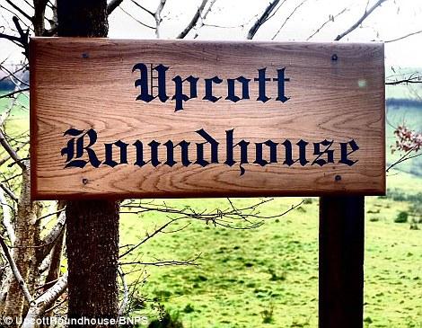 Upcott Roundhouse accepte maintenant les réservations pour £ 170 la nuit