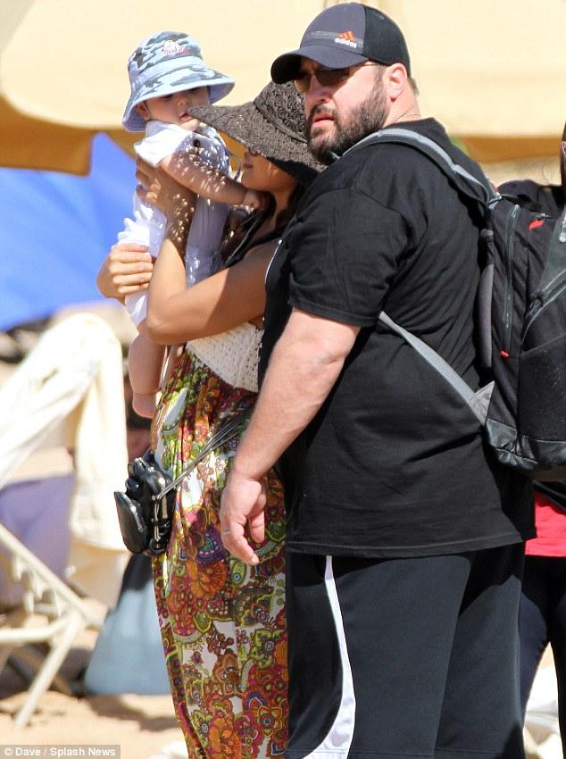 Kevin James And Wife Steffiana De La Cruz Welcome Daughter