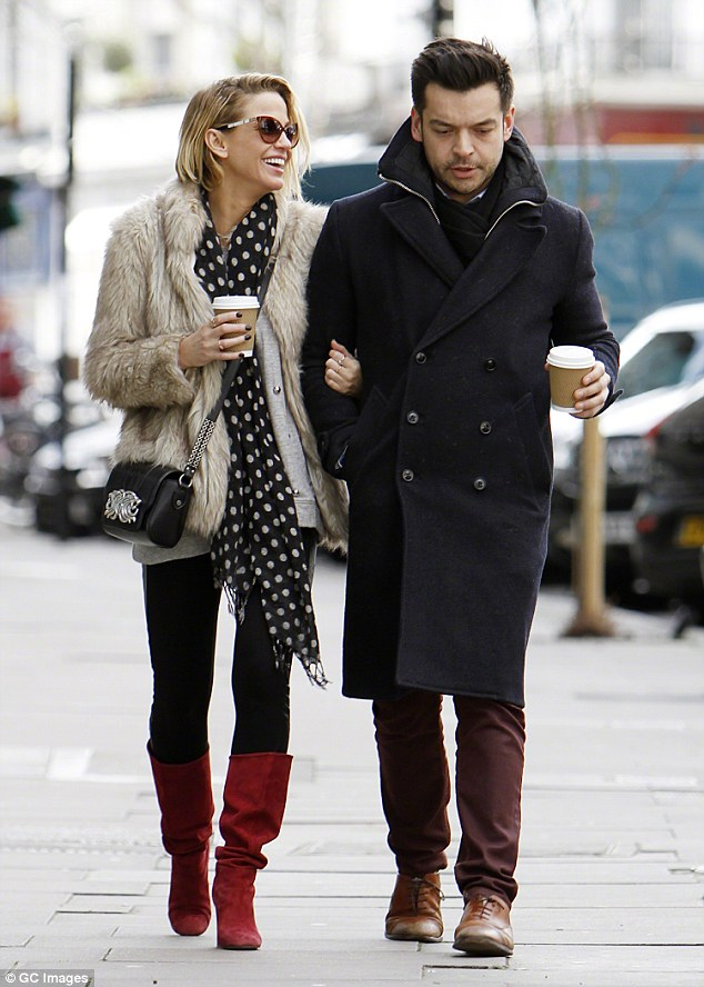 New Love The Girls Aloud Star Was Pictured With A New Man Thought To