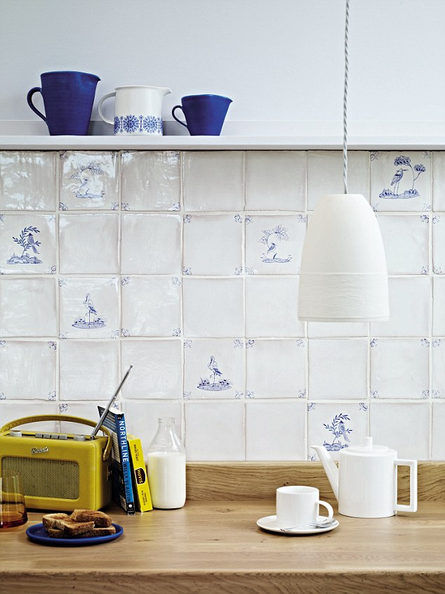 Why We Are All Falling For The Dainty Delights Of Delft Tiles Daily Mail Online