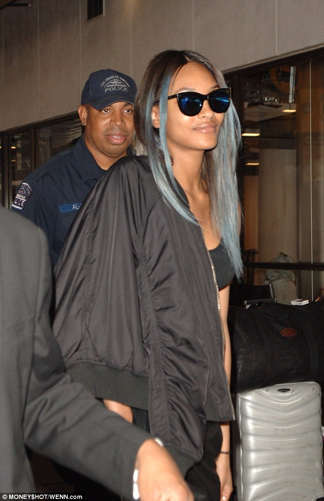 Jourdan Dunn Shows Off New Hairdo As She Jets Off To