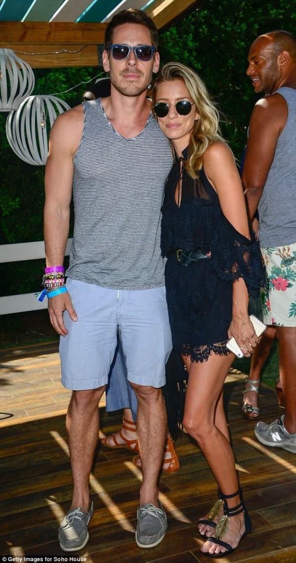 Renee Bargh parties at Coachella after Josh Gibson split ...
