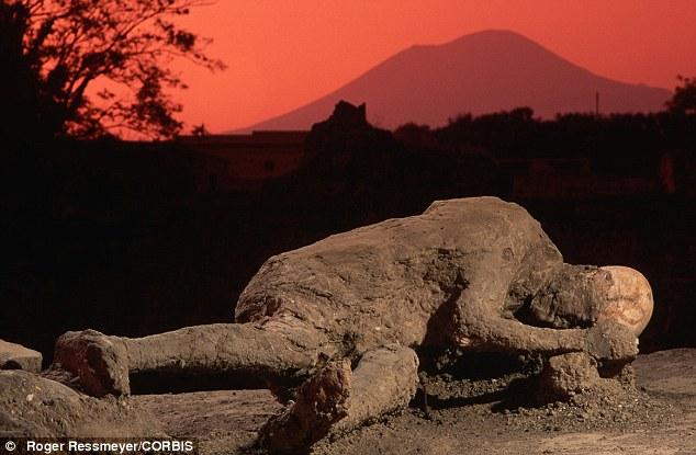 La devastazione operata da Vesuvio su Pompei (sopra) potrebbe diventano insignificanti, gli scienziati avvertono