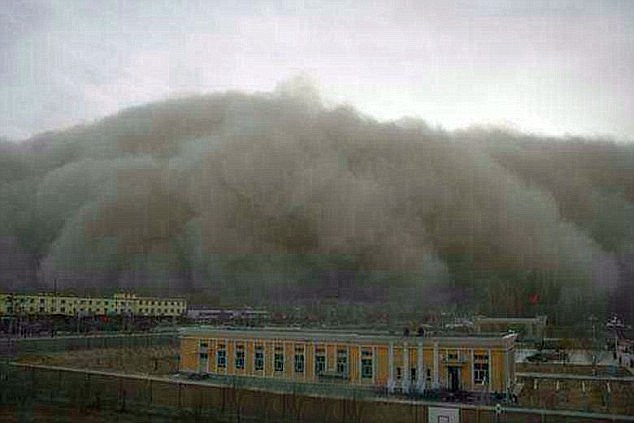 A ragingsand storm sweeps in on the city of Golmud in north west China, where 200,000 people live
