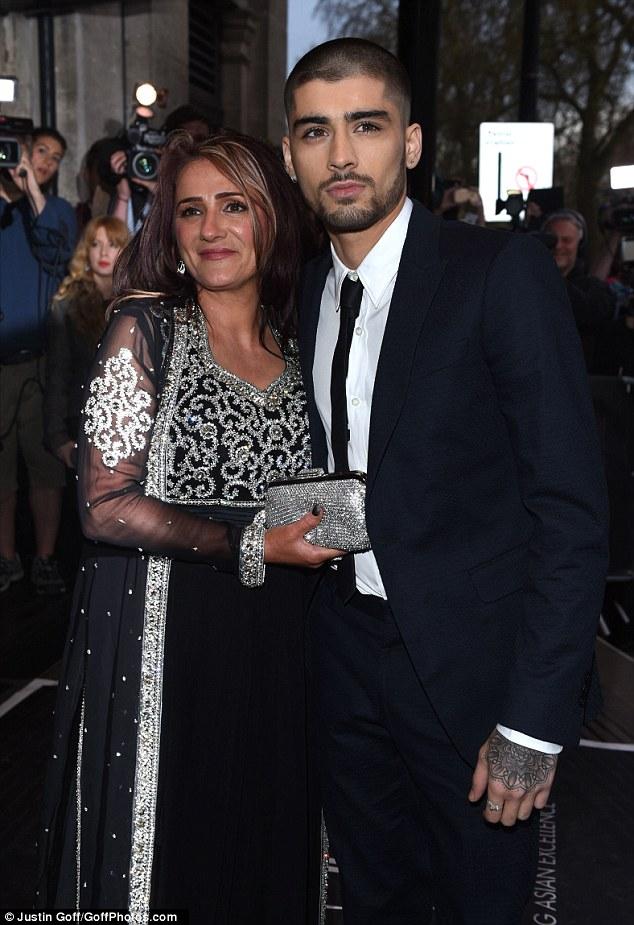 Zayn Malik Reveals Buzzcut As He Takes Mum To Asian Awards