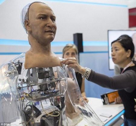 رأس روبوت جديد قادرعلى التفاعل مع البشر