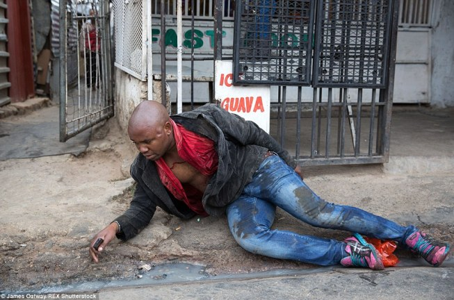 During the subsequent journey to hospital, Mr Sithole's condition deteriorated as he screamed in agony before eventually falling unconscious