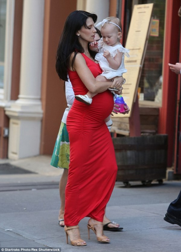 Reddy to pop Pregnant Hilaria Baldwin shows off her huge