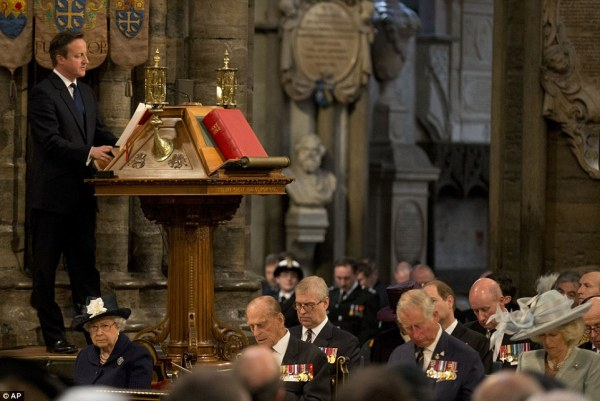 The Queen joins veterans at Westminster Abbey to mark 70th ...