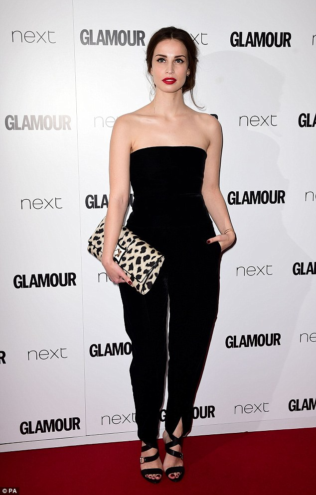 Poldarks Eleanor Tomlinson And Heida Reed Wow At Glamour