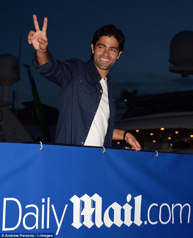 Adrian Grenier Joins The Yacht Party At