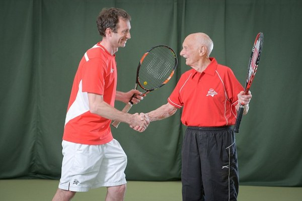 Is this the world's oldest tennis player? Great ...