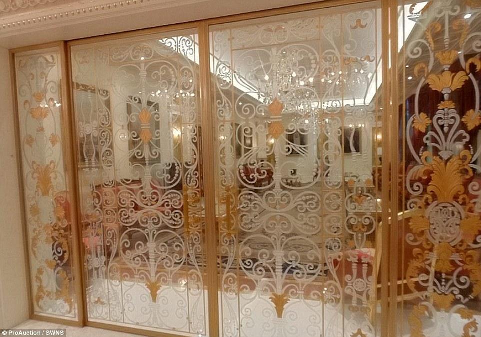 Entire Contents Of 300m Hyde Park Super Mansion On Sale