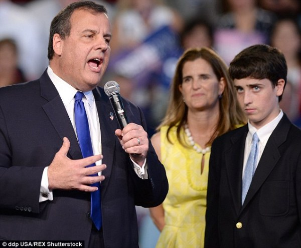 Chris Christie runs for the White House promising a spin ...