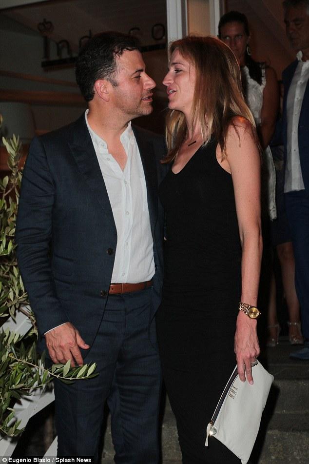 Ainda mais estrelas se transforma: Jimmy Kimmel também participou do festival no fim de semana, no domingo, e foi presenteado com um prêmio por seu trabalho na televisão em um jantar