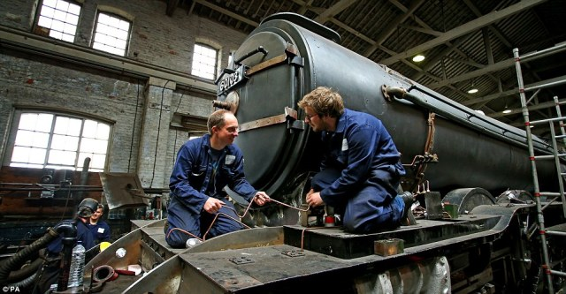 The locomotive will retain the double chimney and smoke deflectors it carried when the museum acquired it in 2004