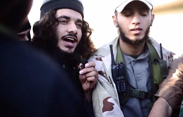 """Llamándose a sí mismo Abu Aisha, la Palestinin yihadista amenazó con convertir a Gaza en un """"río de sangre"""""""