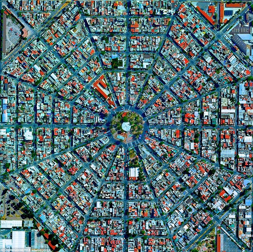The impressive image of radiating streets is taken at Plaza Del Ejecutivo in the Venustiano Carranza district of Mexico City