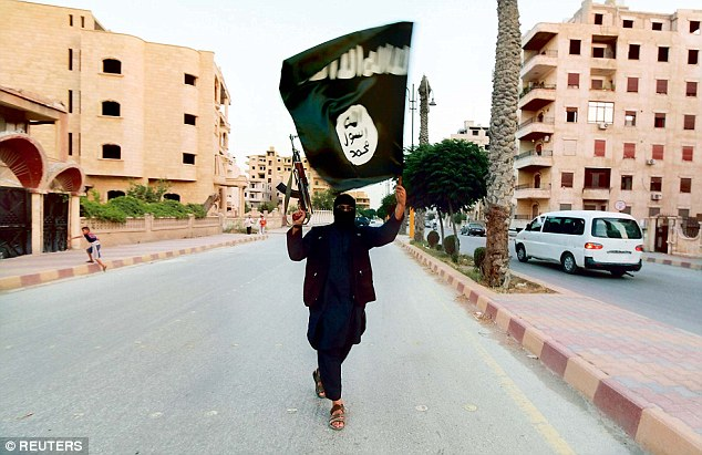 Un número creciente de extranjeros están tratando de escapar de ISIS después de haber sido atraídos a abandonar sus hogares por el grupo