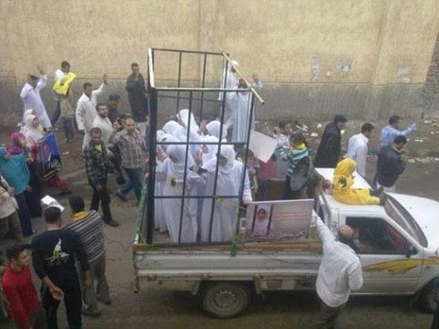 Enslaved: Un enviado de la ONU que investiga comercio sexual vil del Estado Islámico dice 'chicas se vendían como barriles de petróleo