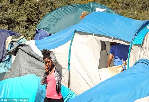 Camp: The Jungle es actualmente el hogar de varios miles de inmigrantes que esperan alcanzar el Reino Unido