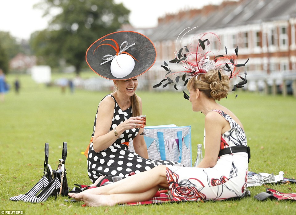 Ladies Day At York Sees Ebor Festivals Best Dress Battle