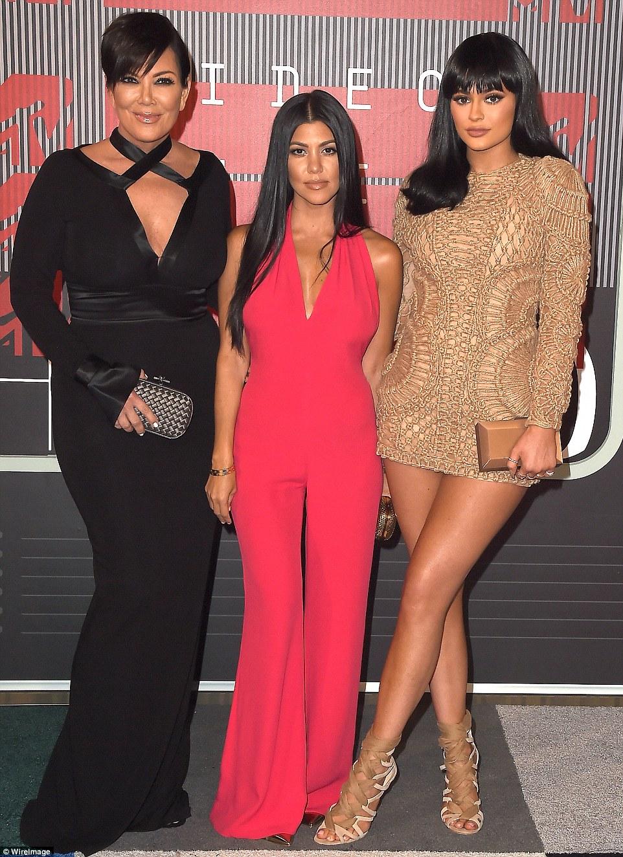 Um assunto de família: Eles se juntaram a mãe Kris Jenner, enquanto irmãs Khloe e Kendall ficou em casa