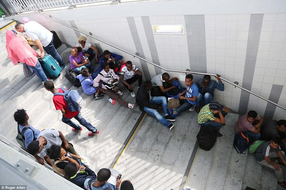 Por fin: El llamado 'Refugiados Express viaja desde Italia hasta Rosenheim (en la foto) en Alemania con hasta 300 refugiados cada día