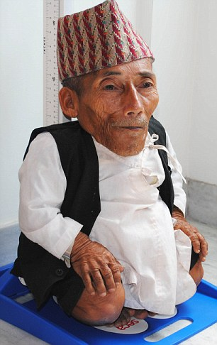 World's shortest man Chandra Dangi, 75, dies of pneumonia ...