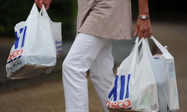 5p charge on plastic bags in England could slash use by 71 ...