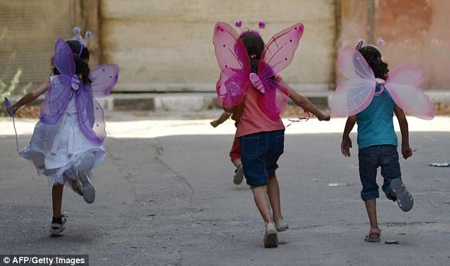 Los ministros se han comprometido a ayudar a los niños huérfanos para iniciar una nueva vida en Gran Bretaña bajo el programa de reasentamiento