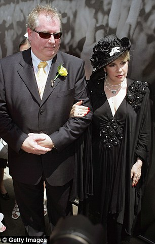 Andrew McManus and music legend Stevie Nicks pose at The Melbourne Cup in 2005