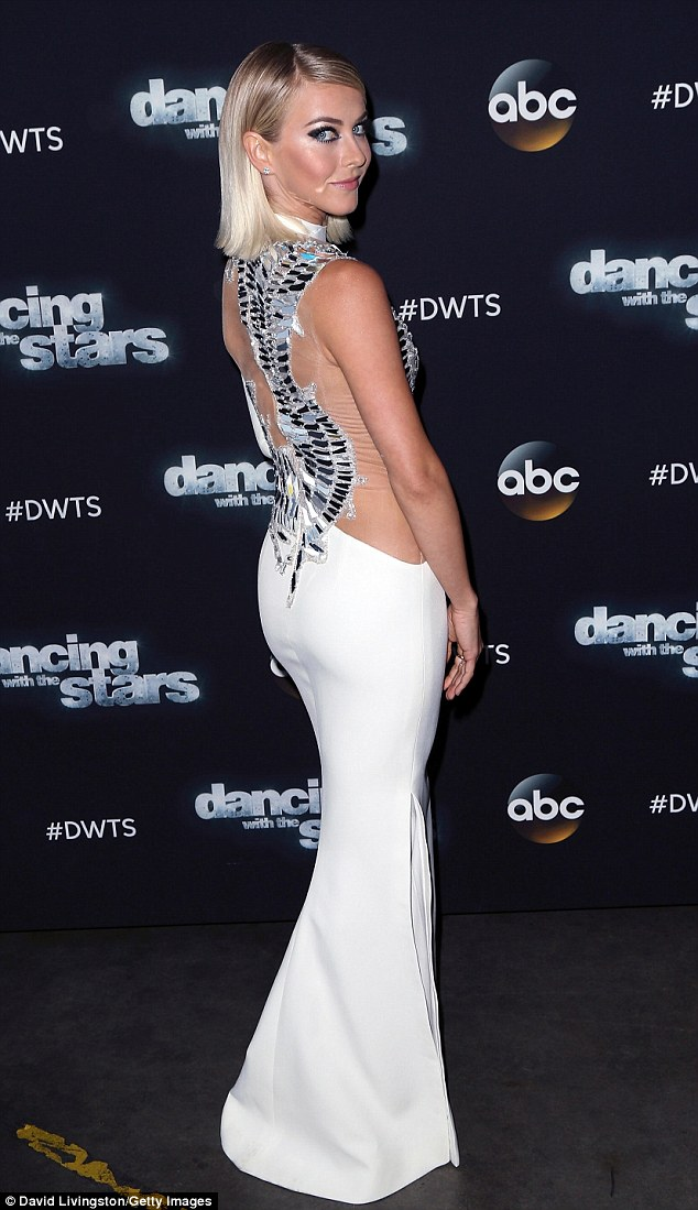 Julianne Hough Dazzles On Dancing With The Stars As Victor