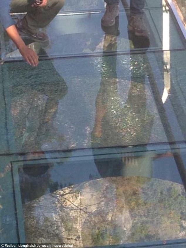 Image result for glass bridge cracks in China